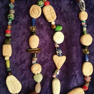 sacred-symbol-beads-france